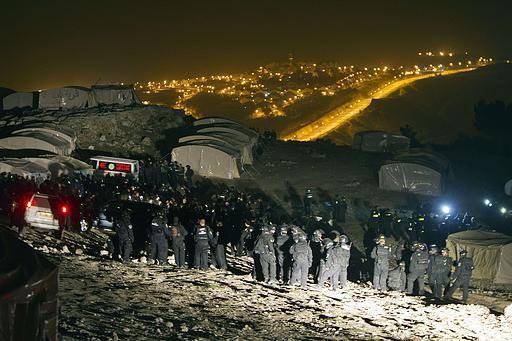 The eviction of Bab Al-Shams (Activestills.org)